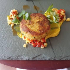Crab cakes with chilli and mango salsa