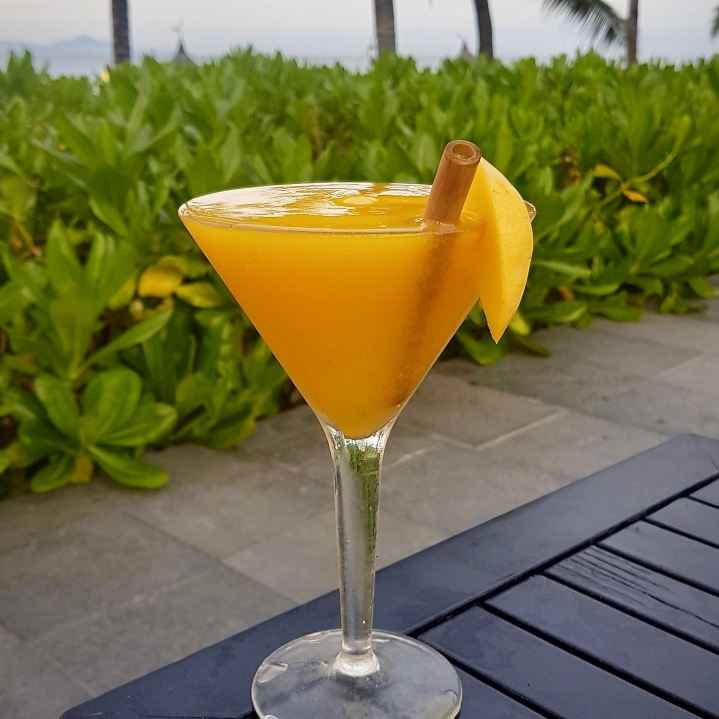 Cocktails by the pool - Mango Daquiri